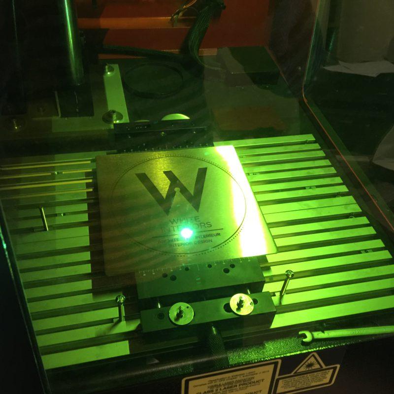 enseigne, chiffre ou lettre alu gravé au laser